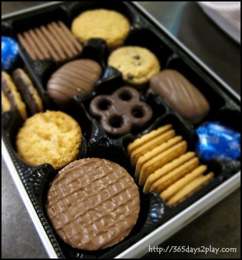 Marks & Spencer - Family Biscuits for Tea