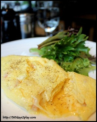 Nassim Hill - Fresh tomato and mozarella omelette $13 (1)