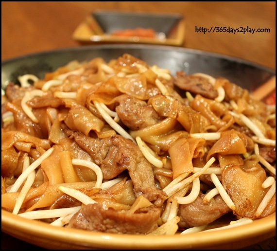 313 Somerset Paradise Inn - Stir-Fried Hor Fun with Beef