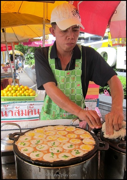 Bangkok Roadside Food Stalls (13)
