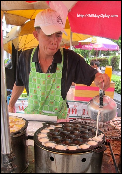 Bangkok Roadside Food Stalls (14)