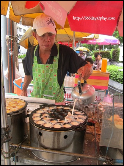 Bangkok Roadside Food Stalls (15)