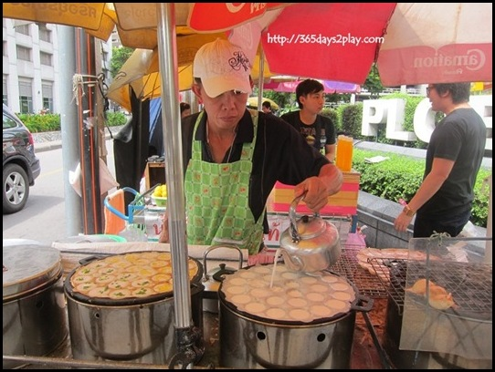 Bangkok Roadside Food Stalls (16)