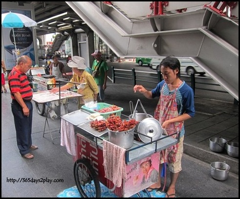 Bangkok Roadside Food Stalls (4)