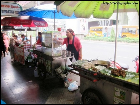 Bangkok Roadside Food Stalls (5)