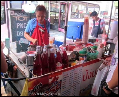 Bangkok Roadside Food Stalls (6)