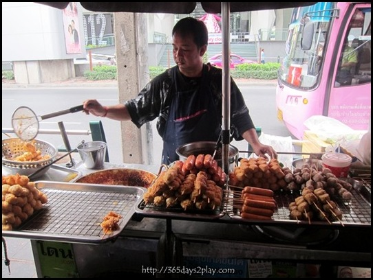Bangkok Roadside Food Stalls (7)