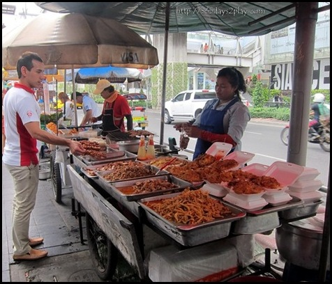 Bangkok Roadside Food Stalls (8)