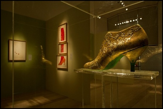 Early Years, Gold Leaf Shoe