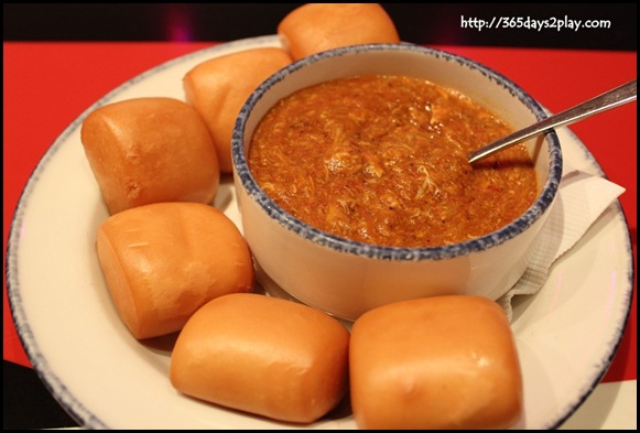 Hard Rock Cafe - Singapore Chilli Crab sauce with Mantou