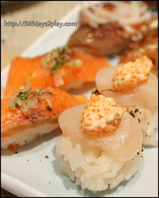 Itacho - Roasted scallop with flying fish salad $1.50 and Smoked Salmon with Black Pepper $1.60 U.P $1.80
