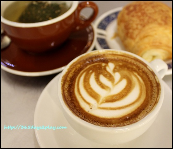 Tiong Bahru Bakery - Cafe Latte