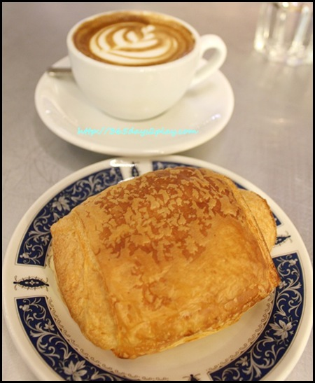 Tiong Bahru Bakery - Chocolate Croissant
