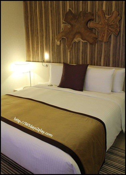 Oasia Hotel -Deluxe King Bed Room (2)