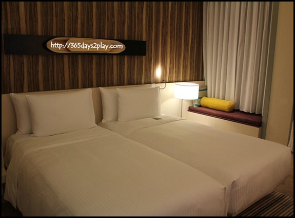 Oasia Hotel - Deluxe Twin Bed Room (1)