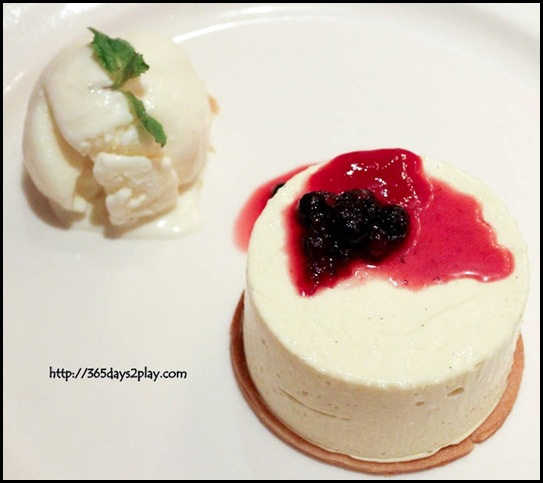 Wooloomooloo - Cheesecake (Traditional uncooked Philadelphia cheesecake served with red berry compote & yoghurt sorbet) $18