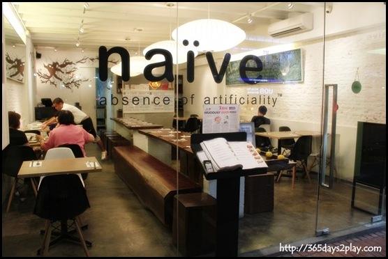 Naive Restaurant -