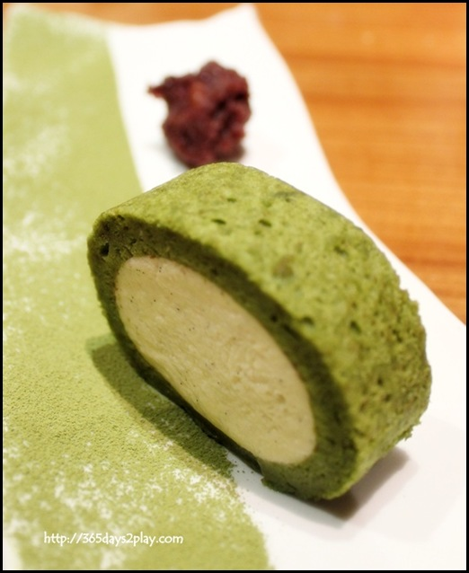 Sun Dining - Fukuoka Yamecha Roll Cake (Premium Fukuoka green tea roll with vanilla cream centre) (2)