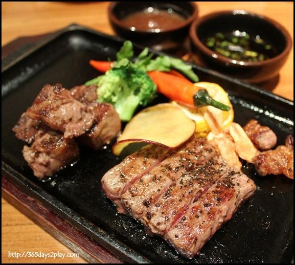 Sun Dining - Miyazaki beef steak Ajikurabe (Miyazaki wagyu ribeye and sirloin steak teppanyaki)