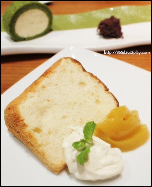 Sun Dining - Oita Momo Jam Chiffon Cake (Light and fluffy chiffon cake infused with the flavour of ripe peach jam and served with homemade vanilla cream)
