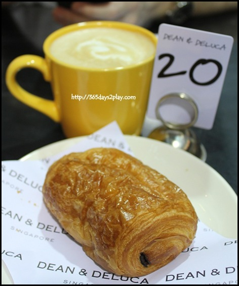 Dean & Deluca - Flat White and a Chocolate Croissant
