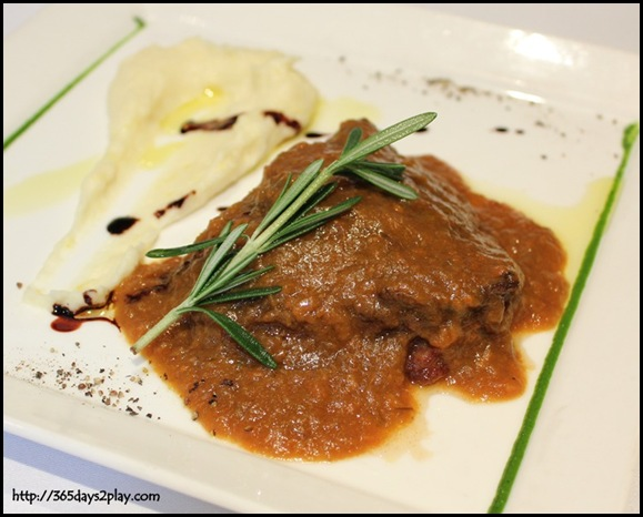 Oso Ristorante - Braised Wagyu beef cheek in Barolo red wine served with lemon mash potato