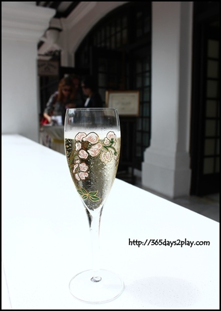 Raffles Hotel Champagne