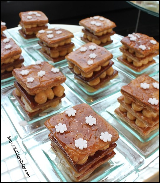 Ritz Carlton Chihuly Lounge Winter Afternoon Tea - Caramel Mille Feuille (2)