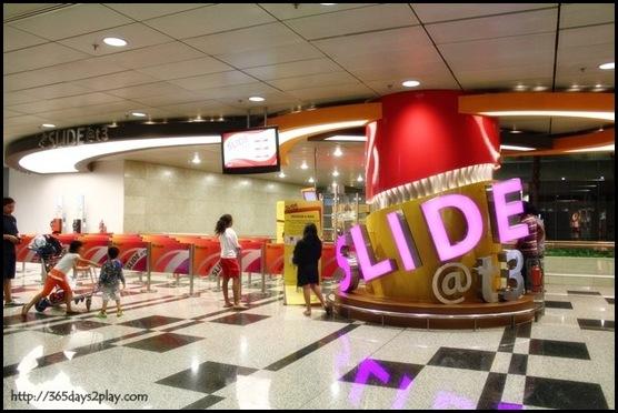Slide @ T3 Changi Airport (2)
