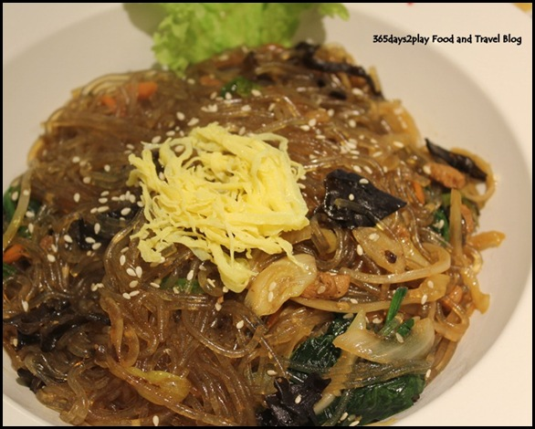 Bornga - Jap Chae (Stir Fried Beef and Veegetables with glass noodles) $23