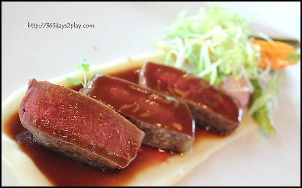 Il Lido Sentosa - Prime Beef Tenderloin with Asparagus and Truffles Sauce (1)
