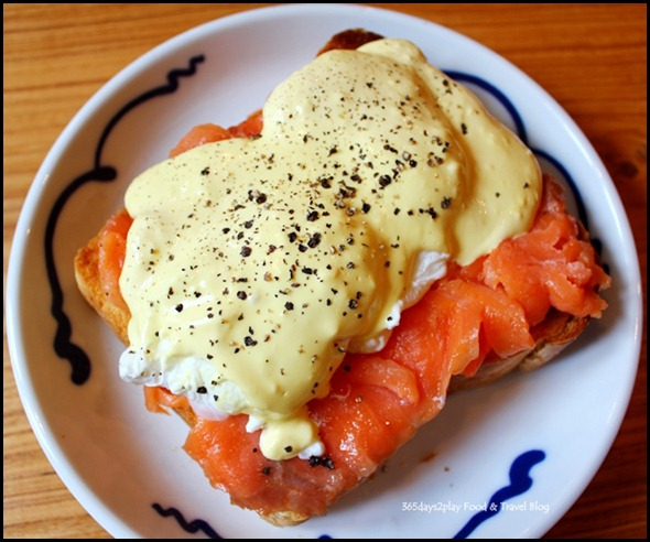 Group Therapy Cafe - Eggs Benedict with Smoked Salmon (3)