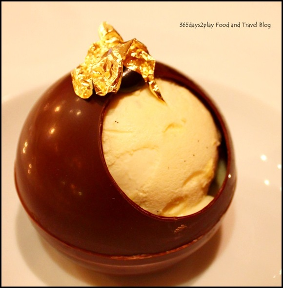 Restaurant Gourmet de l'Ile - Pear Chocolate Ball