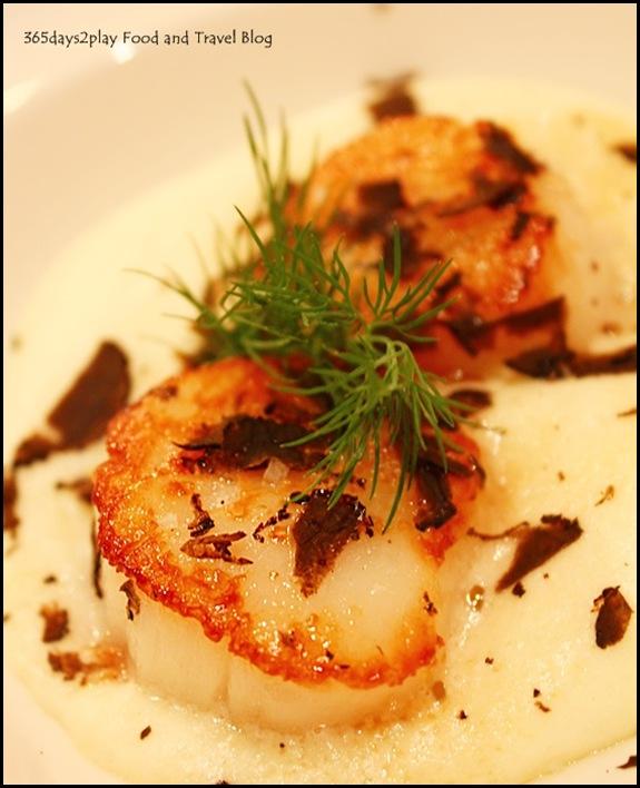 Restaurant Gourmet de l'Ile - Roasted Scallops, gourmet potato emulsion, grated truffles