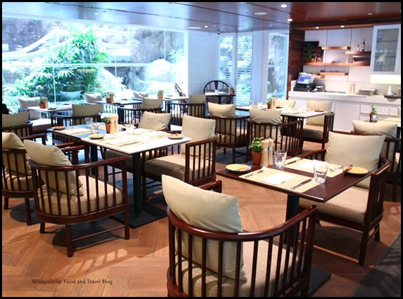 Shangri-La Waterfall Cafe (1)