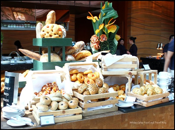 Rise Restaurant Marina Bay Sands - Bread Station