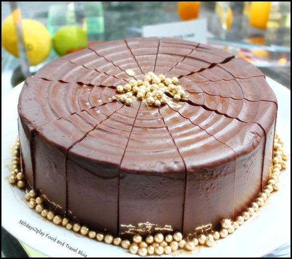 Rise Restaurant Marina Bay Sands - Decadent Chocolate Cake (1)