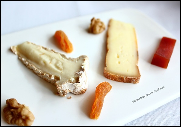 Wine Universe Oenotheque - Various cheeses (2)