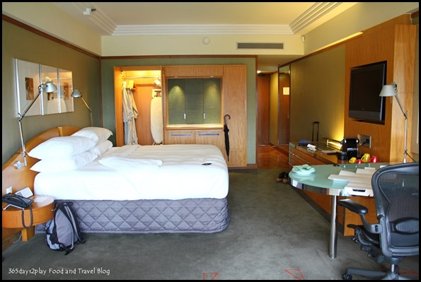 Pan Pacific Singapore Club Room (14)