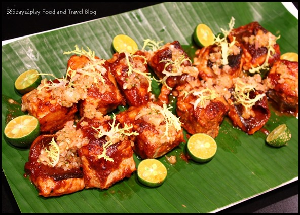 Sambal Stingray on Banana Leaf (2)