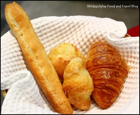 Prima iBake - Bread Basket (Petite French Stick with Milk Cream, Petite Gruyere Cheese, Petite Anchovy Croissant and Petite French Croissant)