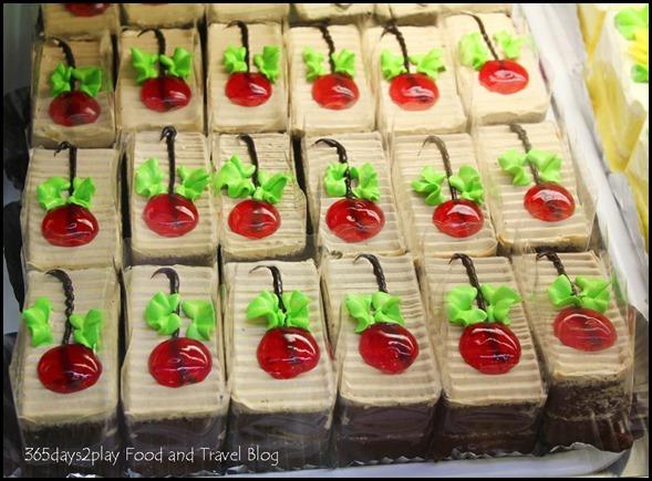 Pine Garden Cake Shop- Nostalgic Chocolate Cake
