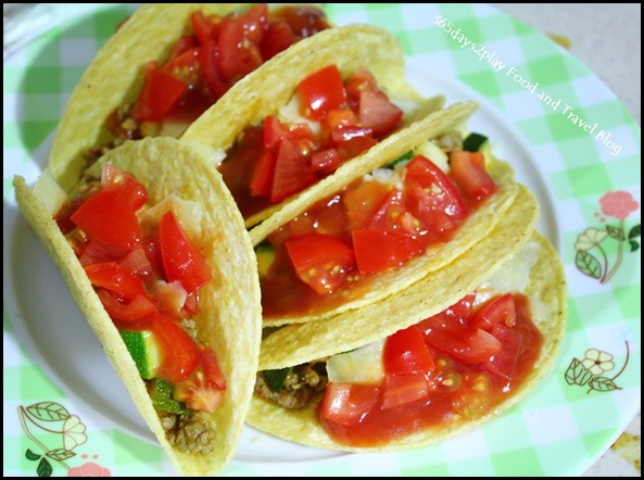 Tacos with Tomato Salsa and Minced Beef (1)