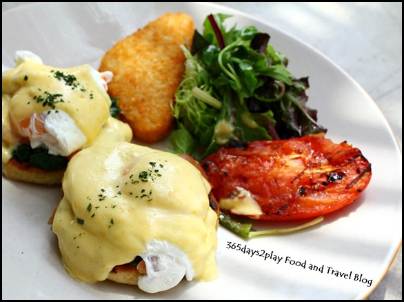 District 10 - District 10 Eggs Benedict – Poached eggs on toasted muffin with sautéed spinach, smoked salmon & hollandaise sauce $16   (4)