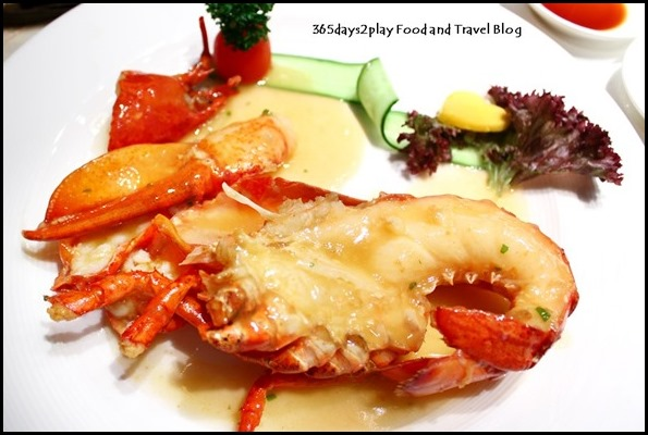 Crystal Jade Golden Palace - Stewed Canadian Lobster in Superior Broth (5)