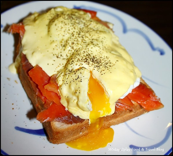 Group Therapy Cafe - Poached Eggs on thick toast, smoked salmon, gruyere, hollandaise sauce $15