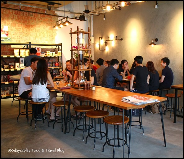 Craftsmen Speciality Coffee Cafe Interior (2)