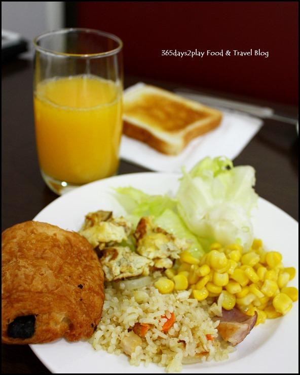 Hotel Clover on Hong Kong Street Buffet Breakfast (2)