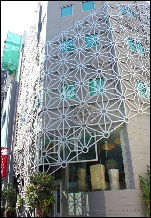 Hotel Clover on Hong Kong Street Facade
