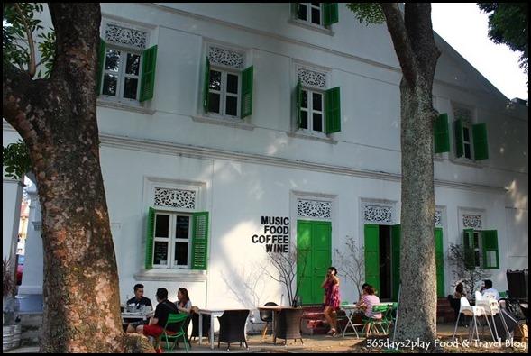 Symmetry Cafe - (1)